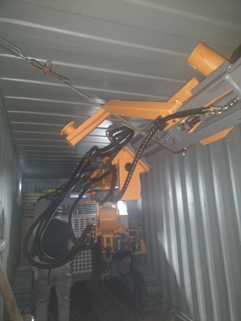 志高D535钻机装柜4